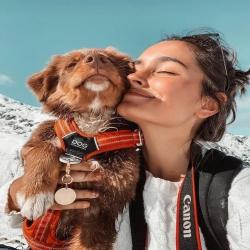 La neige était au rdv ce we ❄️  J'espère que vous avez pu en profiter autant que les jolies Ova et Ilana 🦊♥️ N'oubliez pas de protéger les coussinets de vos animaux avec un baume protecteur 🐾 Crédit photo : @ausskylouva  . . . #chienmignon #chiendefrance #instachien #bergeraustralien #complicitechien #moustaches